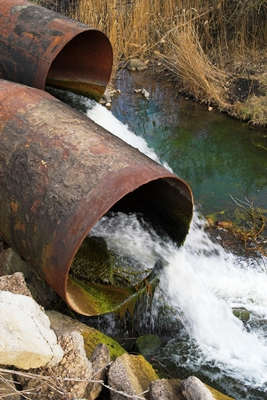 Water Running Out of Pipes_iStock