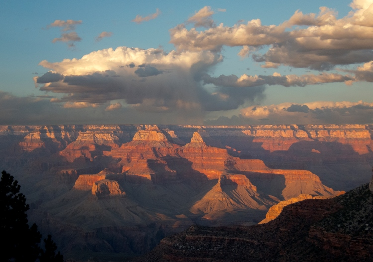 Bright Angel Trail. Photo credit: Michael Quinn, National Park Service.
