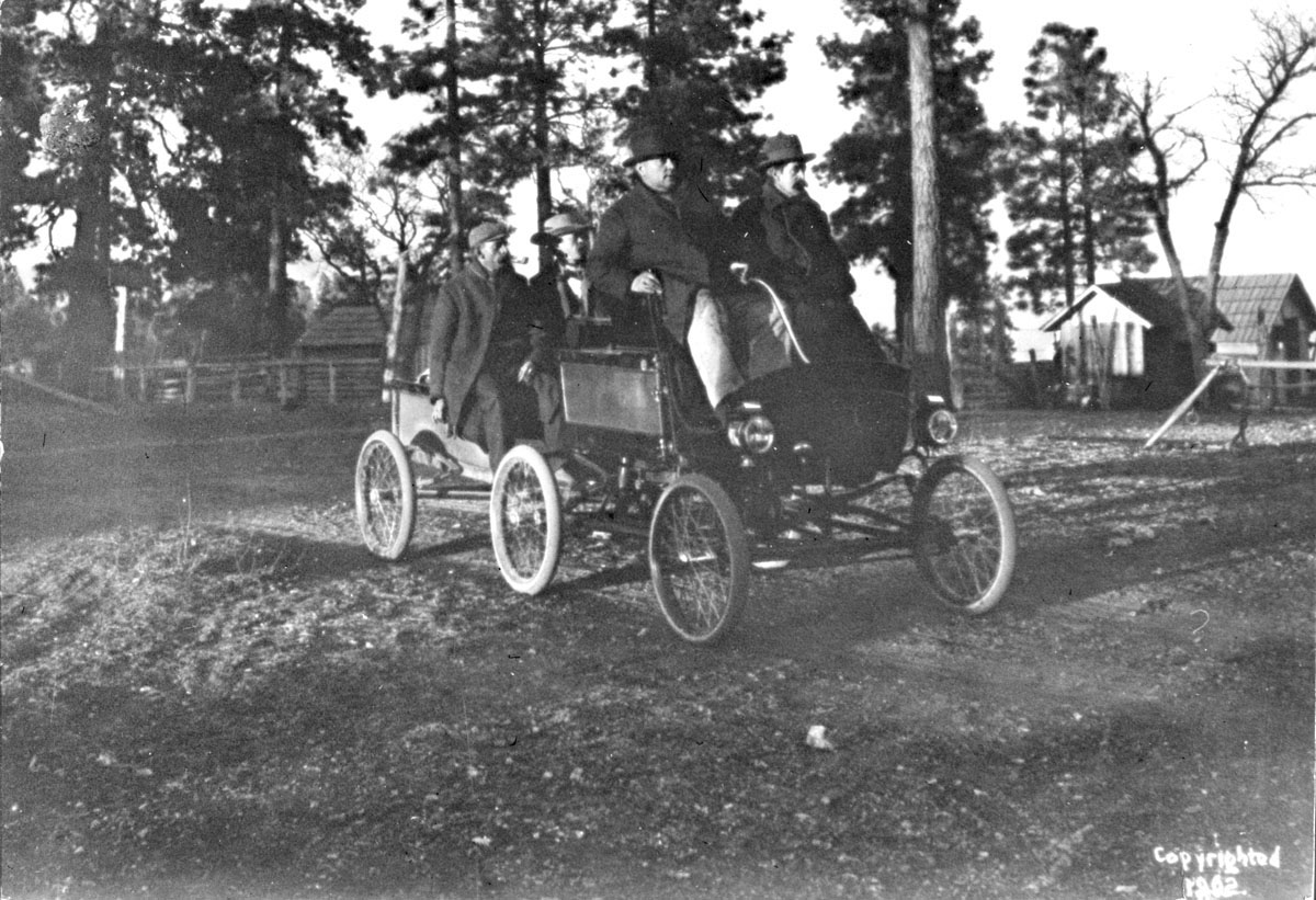 First Automobile Party to Grand Canyon 1902_credit Thomas Chapman