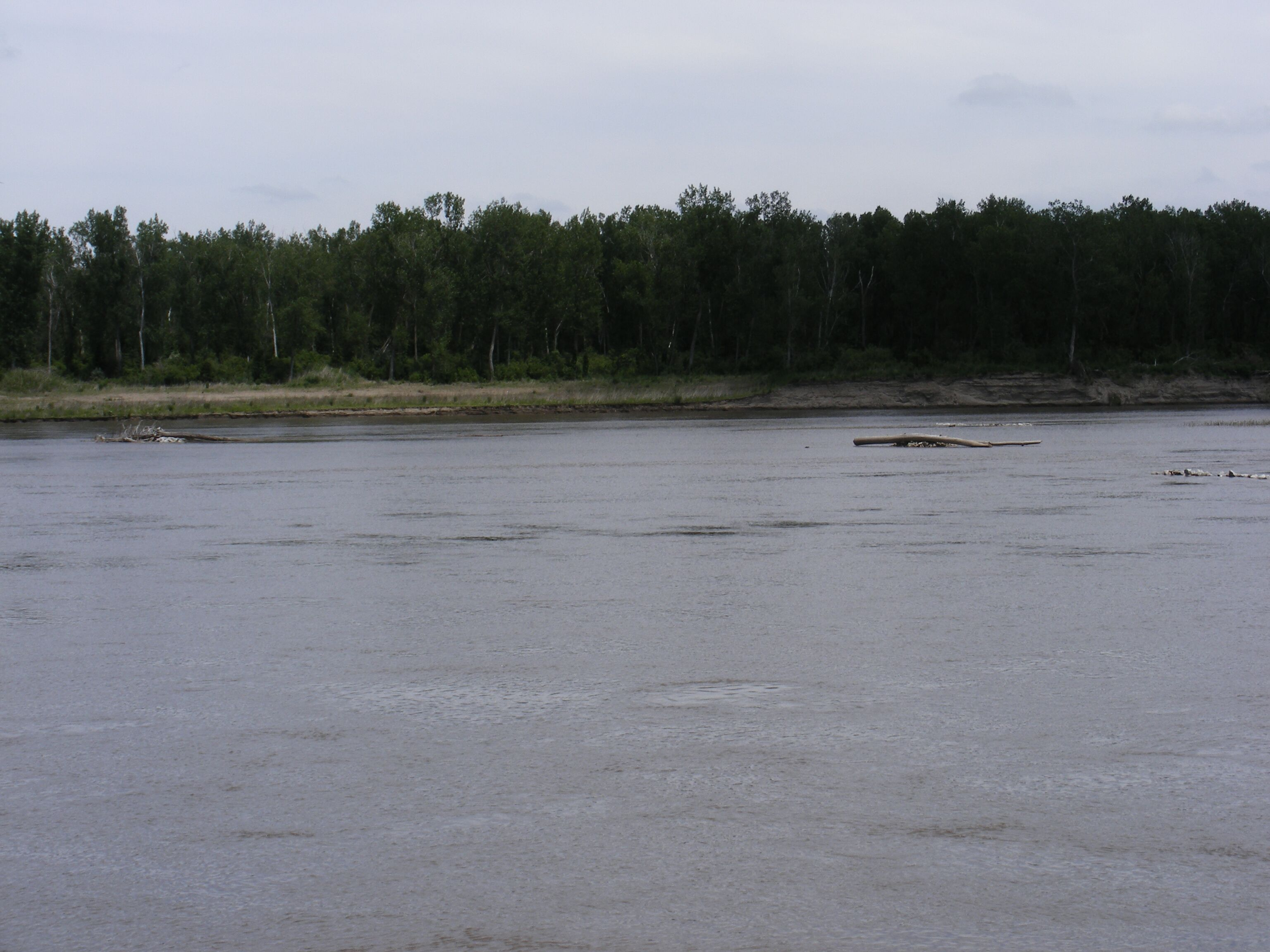 An artificial side channel on the Missouri River