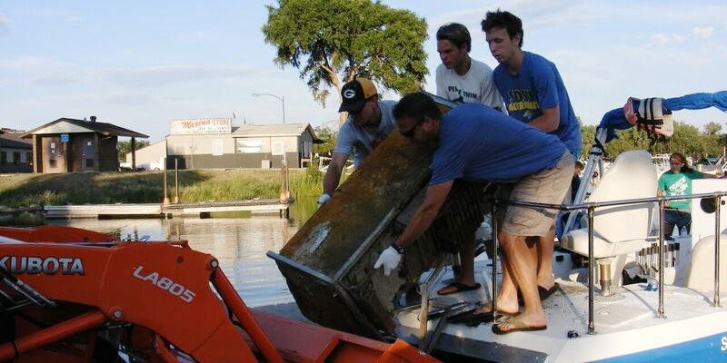 Cleaning up trash in Missouri River