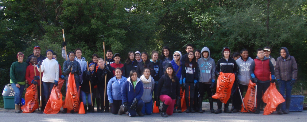 Students at a cleanup event