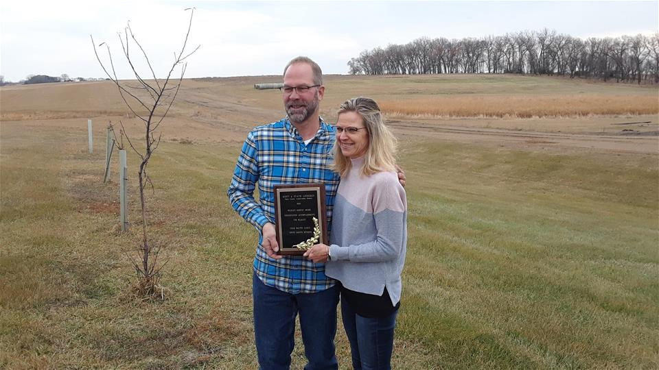 Scott and Stacie Lindgren - credit IWLA South Dakota Division